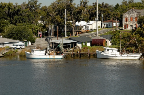 darien-ga-mcintosh-county-waterfront-shrimp-boats-americana-picture-image-photo-copyright-brian-brown-photographer-vanishing-coastal-georgia-usa-2011