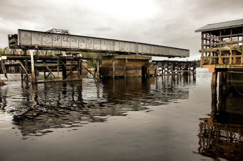 everett-ga-glynn-county-altamaha-river-park-railroad-trestle-swing-bridge-early-20th-century-landmark-recreation-picture-image-photo-copyright-brian-brown-photographer-vanishing-coastal