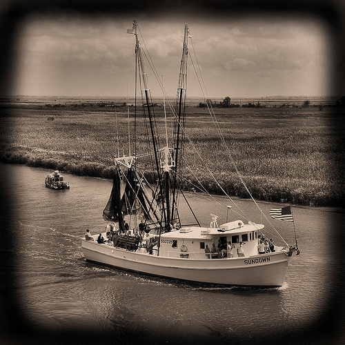 wild-georgia-shrimp-boat-sundown-blessing-of-the-fleet-darien-ga-mcintosh-county-atlantic-coast-endangered-way-of-life-picture-image-photo-copyright-brian-brown-photographer-vanishing-co