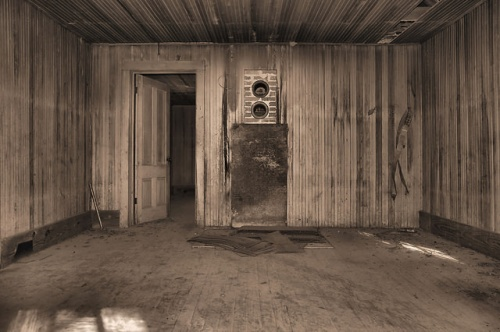 Altama Plantation Glynn County GA Hunting Cabin Interior Photograph Copyright Brian Brown Vanishing Coastal Georgia USA 2016