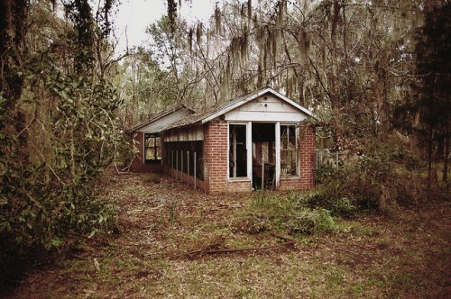 Sunbury Plantation Kennel Liberty County GA Photograph Copyright Brian Brown Vanishing Coastal Georgia USA 2016
