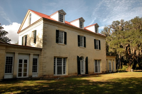 ashantilly-center-darien-ga-mcintosh-county-historic-house-restoration-in-progress-front-elevation-william-haynes-thomas-spalding-coastal-plantation-black-island-river-picture-image-phot