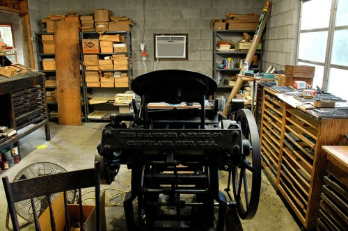 candler-price-printing-press-letterpress-workshop-ashantilly-press-william-haynes-jr-picture-image-photo-copyright-brian-brown-photographer-vanishing-coastal-georgia-usa-2011