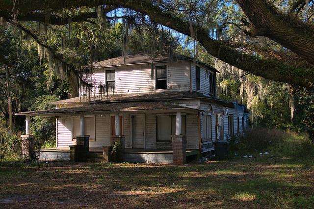 Endangered House on US 17 Glynn County GA Photograph Copyright Brian Brown Vanishing Coastal Georgia USA 2016