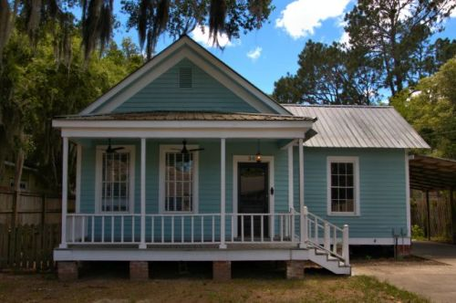 darien ga gable front house photograph copyright brian brown vansihing coastal georgia usa 2016