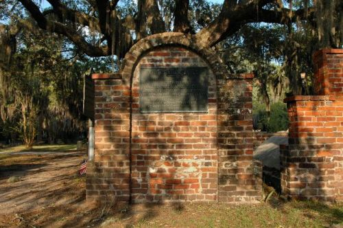 colonial park cemetery savannah ga graham vault general nathanael greene photograph copyright brian brown vanishing coastal georgia usa 2016