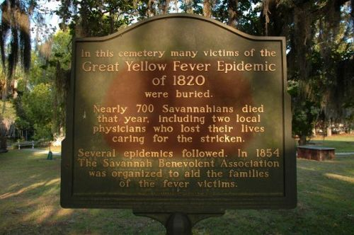 colonial park cemetery savannah ga great yellow fever epidemic marker photograph copyright brian brown vanishing coastal georgia usa 2016