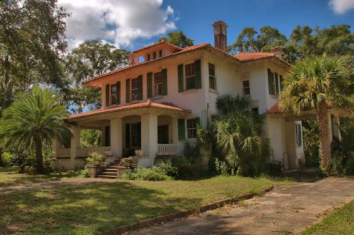brunswick-ga-mediterranean-style-house-photograph-copyright-brian-brown-vanishing-coastal-georgia-usa-2016