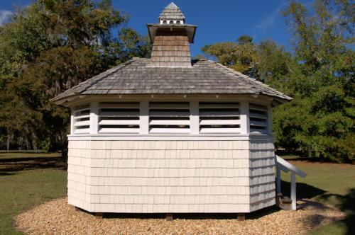 jekyll-island-ga-solterra-cottage-dovecote-photograph-copyright-brian-brown-vanishing-coastal-georgia-usa-2017
