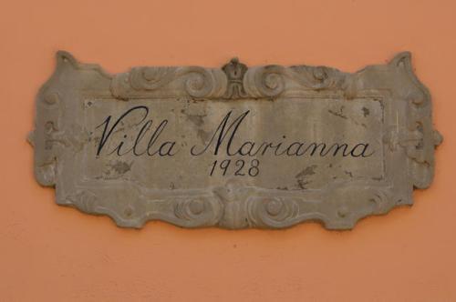 villa-marianna-nameplate-cipher-jekyll-island-ga-photograph-copyright-brian-brown-vanishing-coastal-georgia-usa-2017
